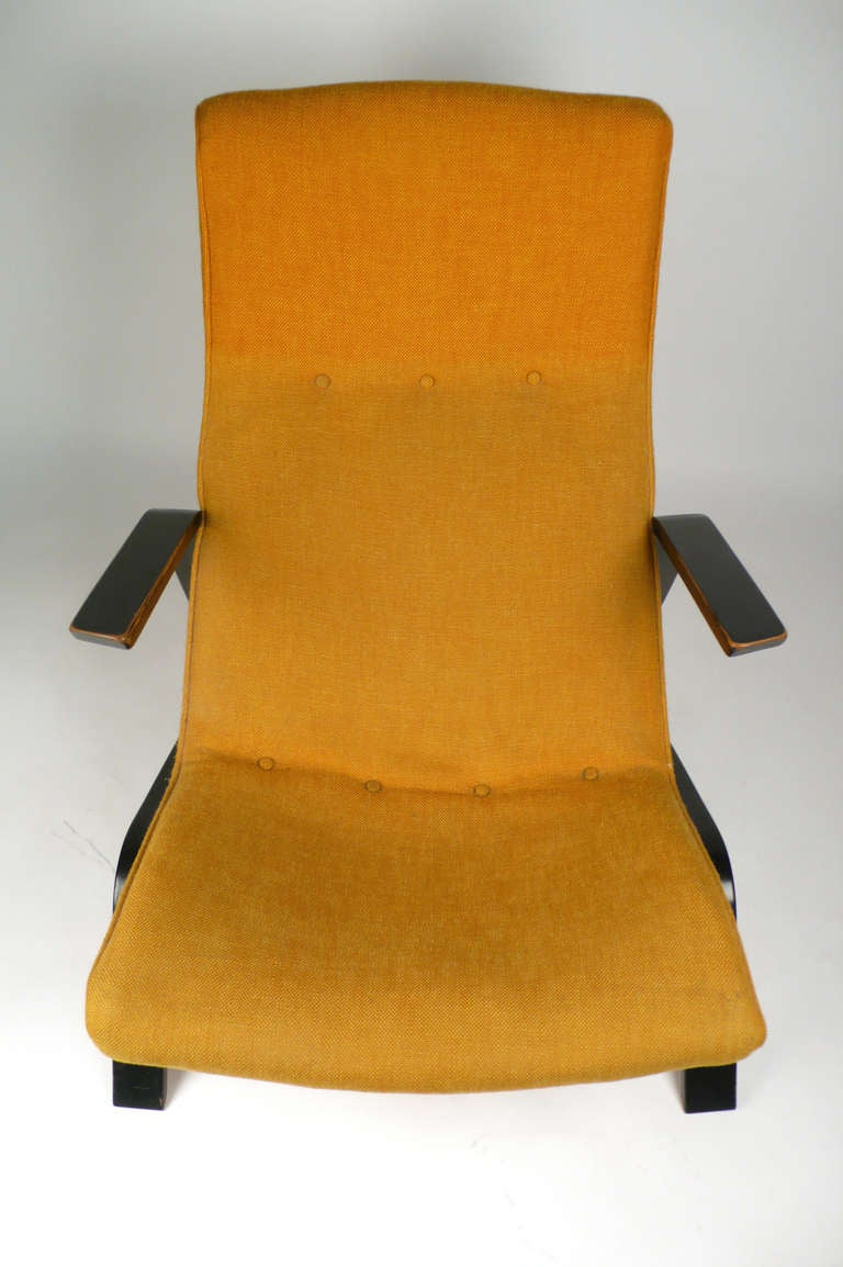 Early Grasshopper Chair by Eero Saarinen manufactured by Knoll International with original black lacquer and upholstery.