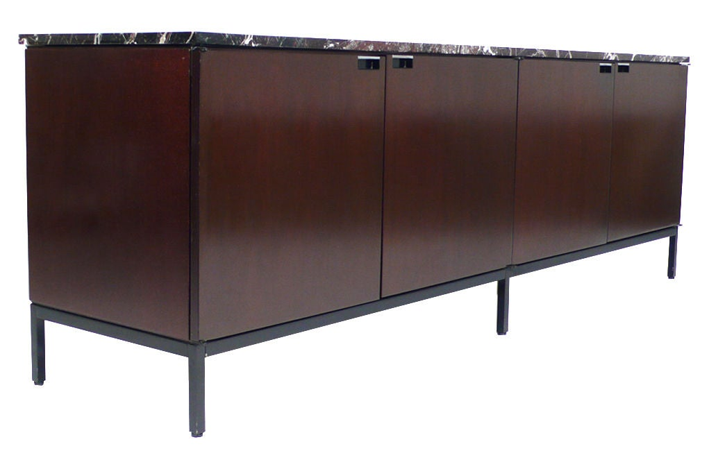 Florence Knoll Italian Marble Credenza mahogany 1960s In Excellent Condition For Sale In Dallas, TX