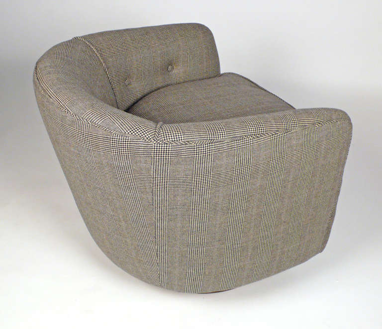 Milo Baughman Barrel Chair In Prince Of Whales Textile At