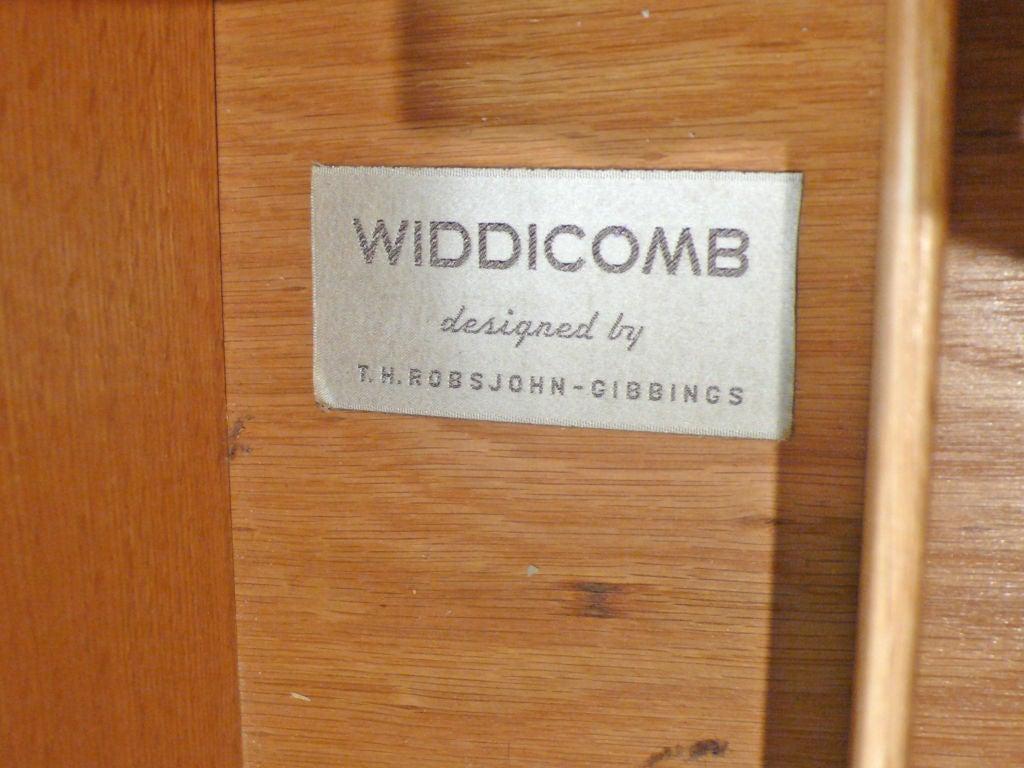 Widdicomb Dresser Designed by T.H. Robsjohn-Gibbings For Sale 3