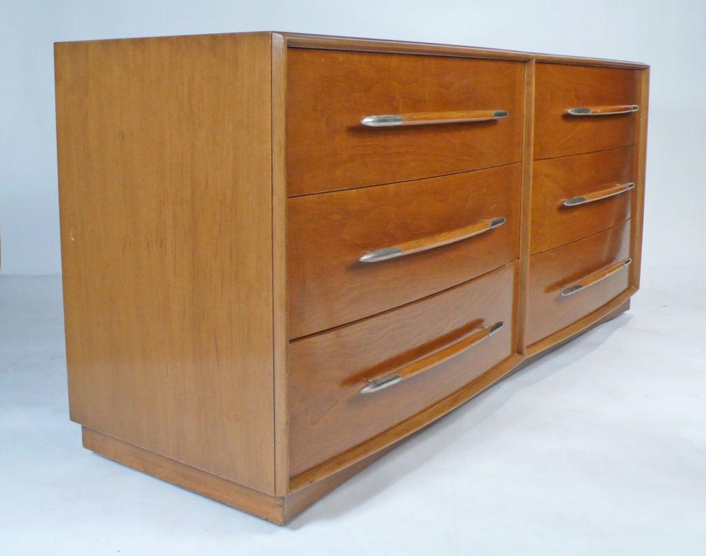 Mid-Century Modern Widdicomb Dresser Designed by T.H. Robsjohn-Gibbings For Sale