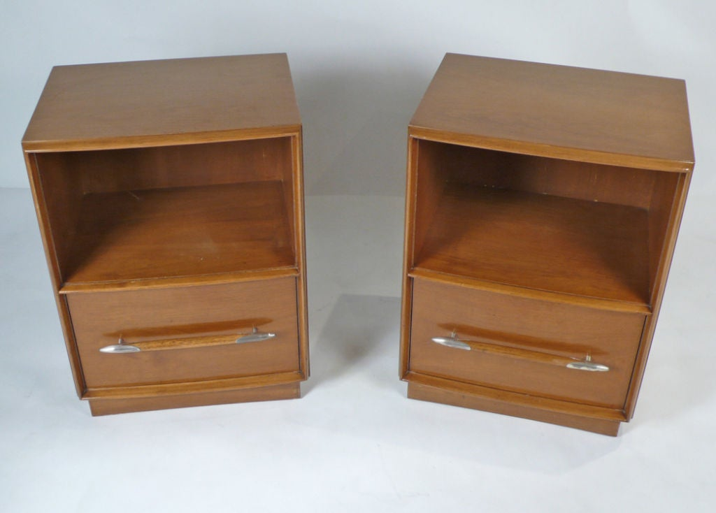 Mid-Century Modern Widdicomb Nightstands Designed by T.H. Robsjohn-Gibbings for Widdicomb For Sale