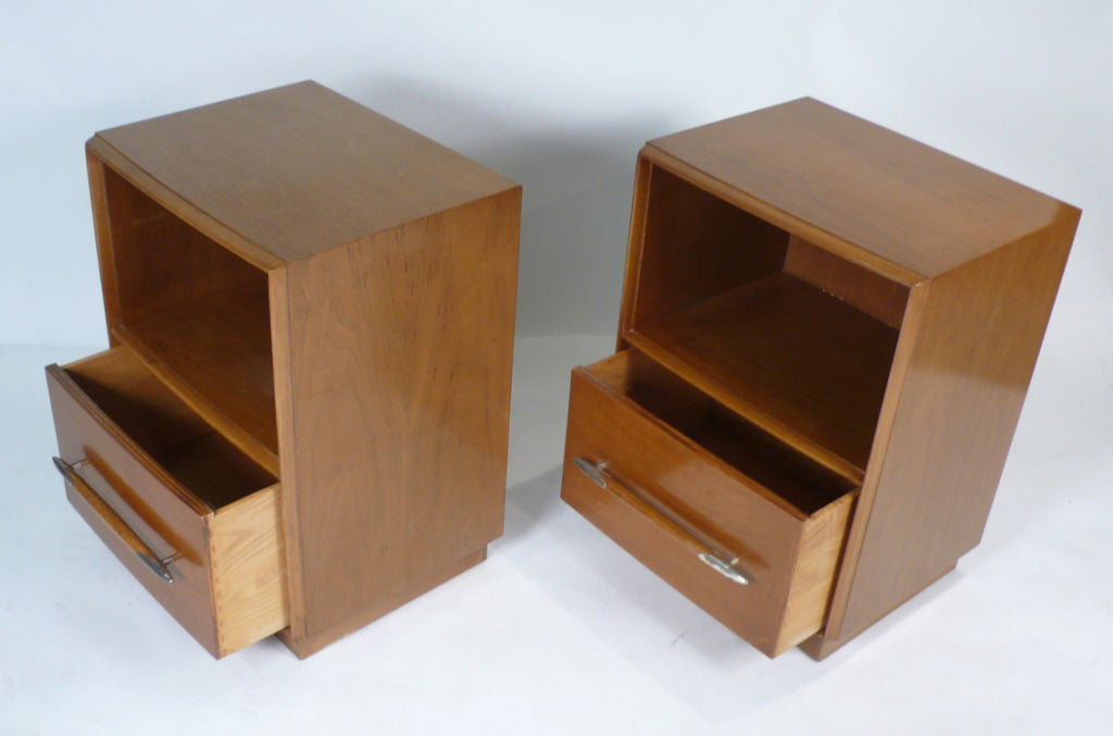 American Widdicomb Nightstands Designed by T.H. Robsjohn-Gibbings for Widdicomb For Sale