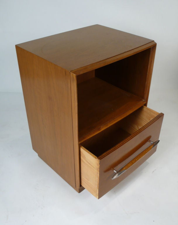Mid-20th Century Widdicomb Nightstands Designed by T.H. Robsjohn-Gibbings for Widdicomb For Sale