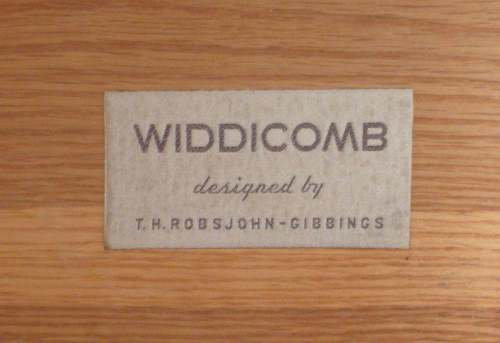 Widdicomb Nightstands Designed by T.H. Robsjohn-Gibbings for Widdicomb For Sale 2