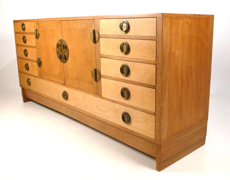 Mid-Century Modern Edward Wormley for Dunbar Credenza/Server For Sale