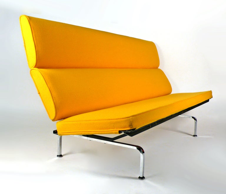 Sofa Compact by Charles Eames for Herman Miller at 1stdibs