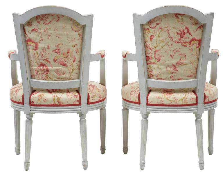 Pair of Painted 19th Century Swedish Shield Back Armchairs For Sale 1
