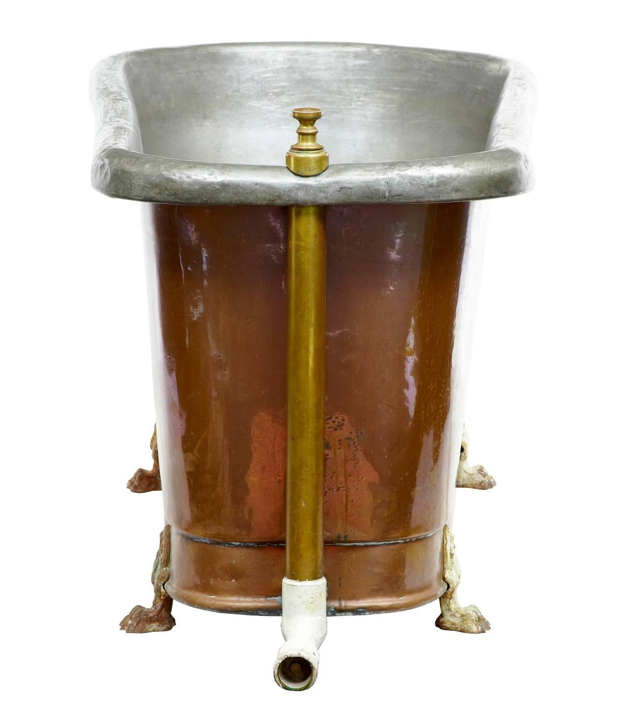 19th century victorian roll top copper bath tub at 1stdibs. Black Bedroom Furniture Sets. Home Design Ideas