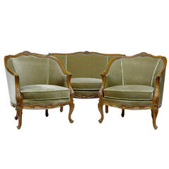 Early 20th Century French Walnut Sofa and Armchairs