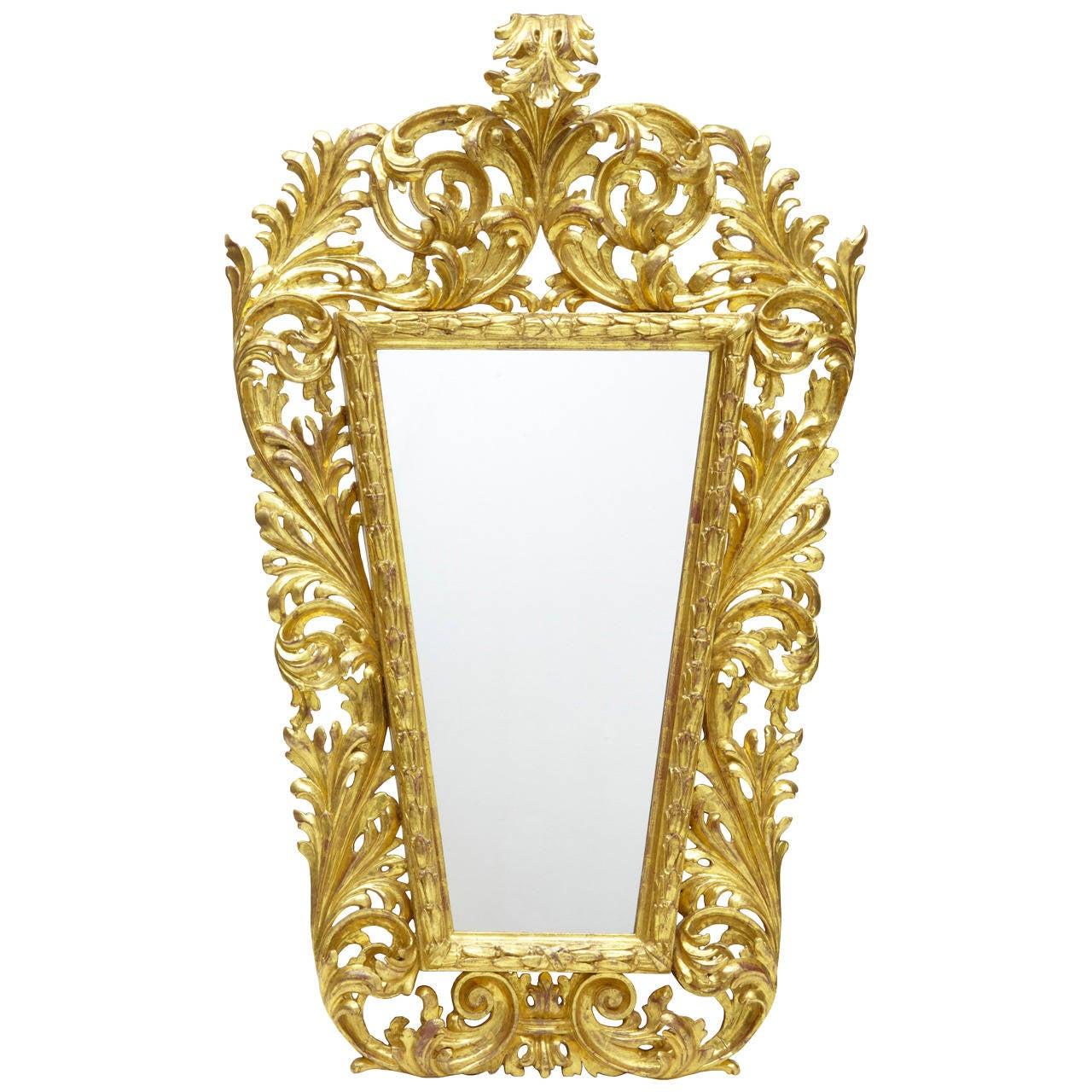 18th Century Carved Italian Giltwood Mirror