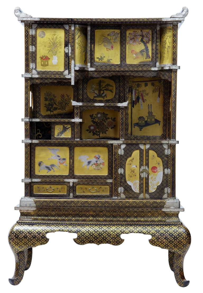 Superb quality Japanese display cabinet circa 1890. Contains various scenes from Japanese life on  sc 1 st  1stDibs & 19th Century Japanese Black and Gold Lacquered Display Cabinet For ...