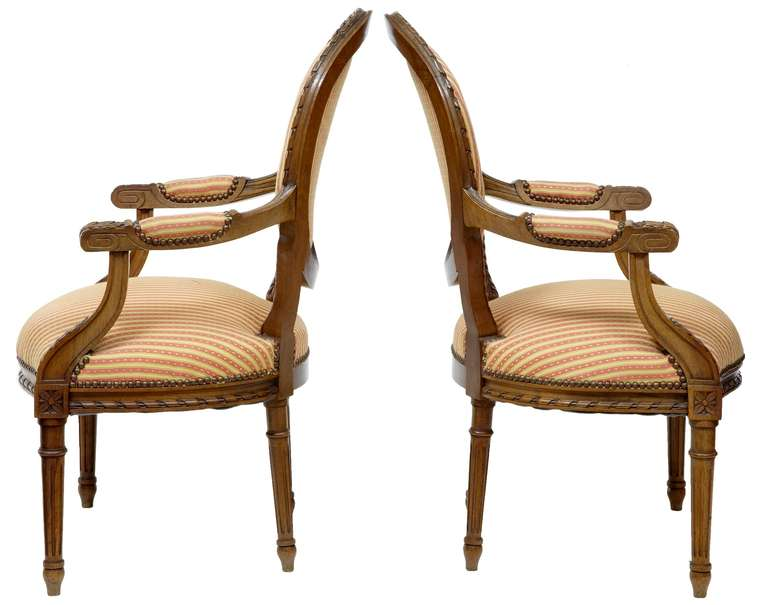 Victorian Pair of 19th Century Carved French Walnut Open Armchairs For Sale