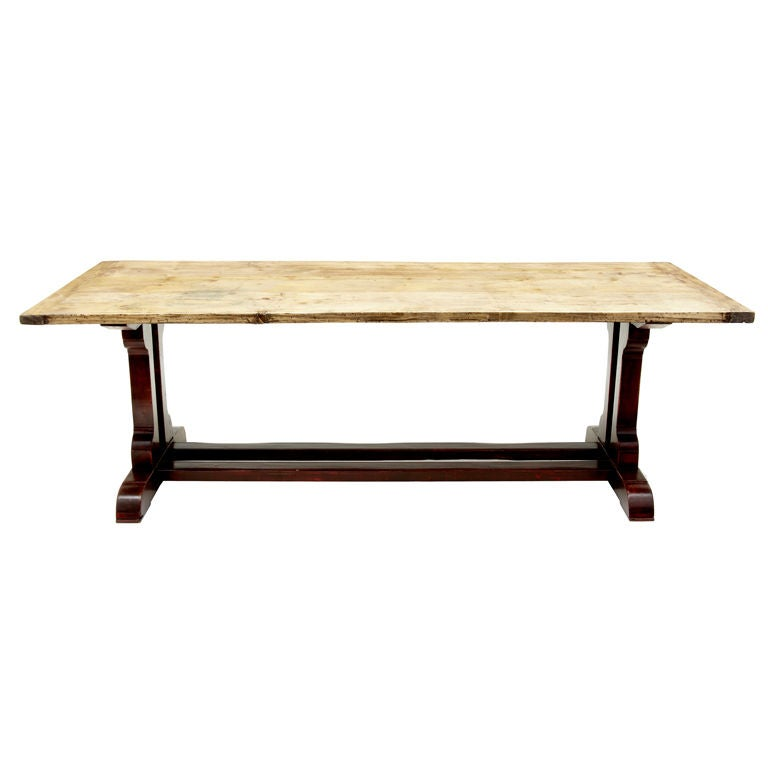 Farmhouse Pie Refectory Table with a Painted Base For Sale at 1stdibs