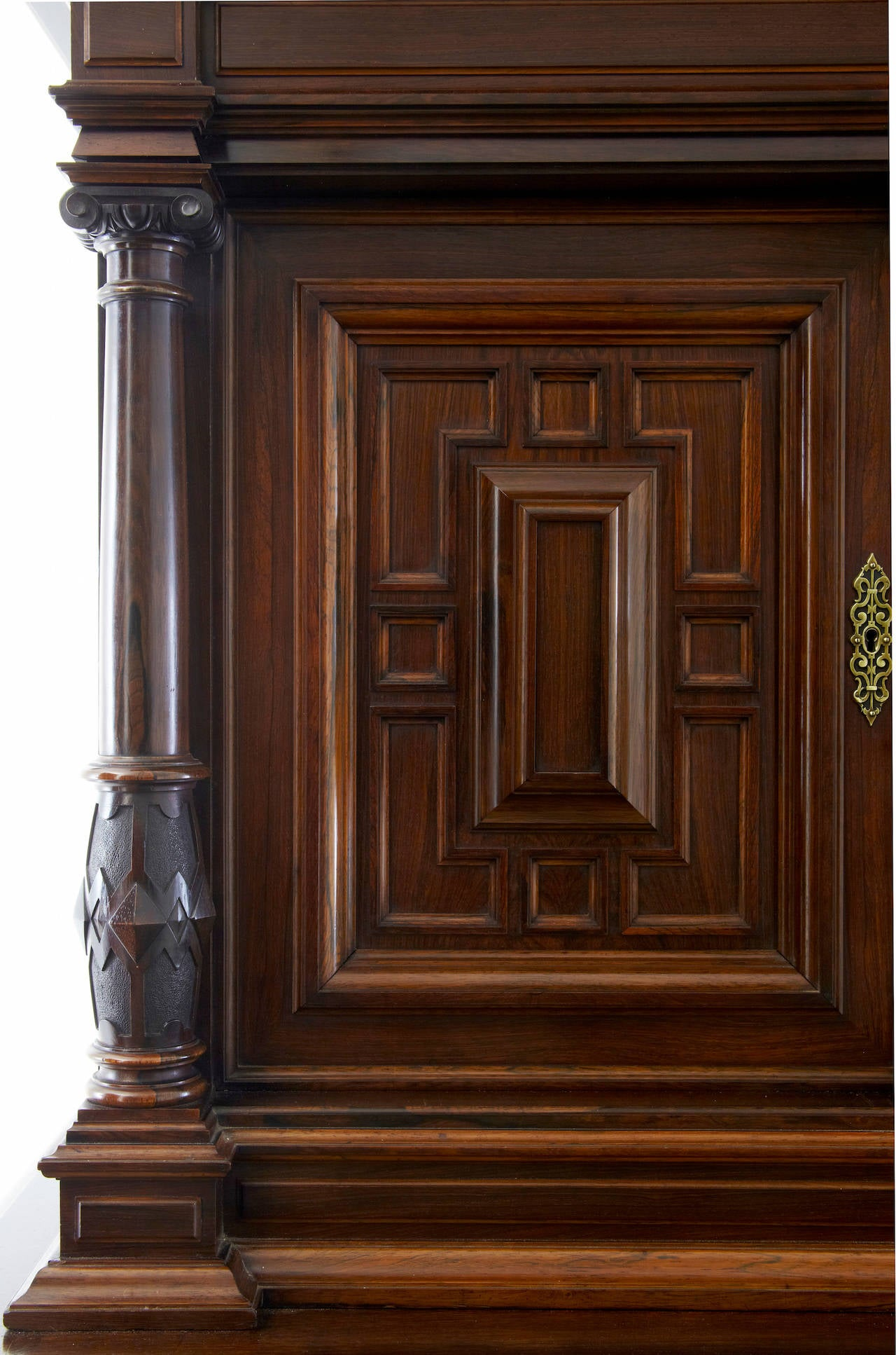 19th Century Italian Rosewood Baroque Style Cupboard In Good Condition For Sale In Debenham, Suffolk
