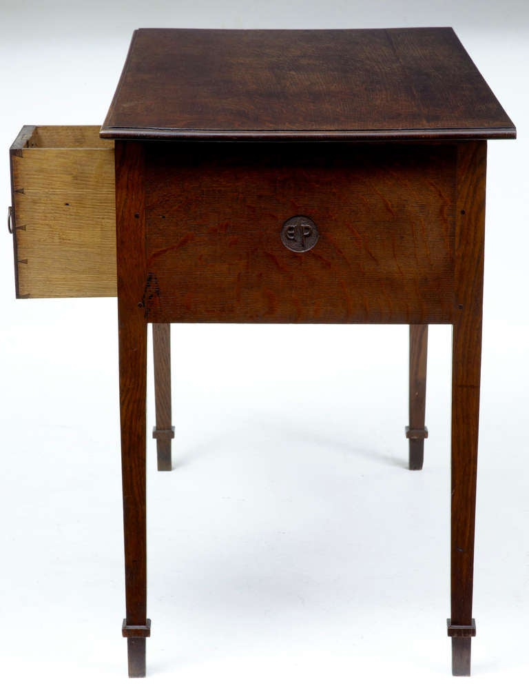 small writing table