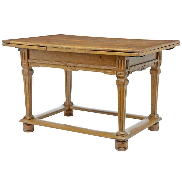 17th century and later dutch oak draw leaf small rectory for Oak kitchen table with leaf