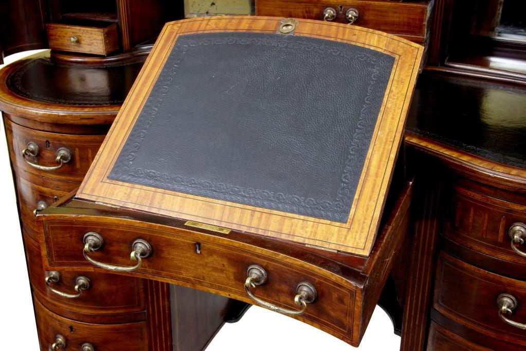 19TH CENTURY MAHOGANY KIDNEY SHAPED DESK CIRCA 1890 4