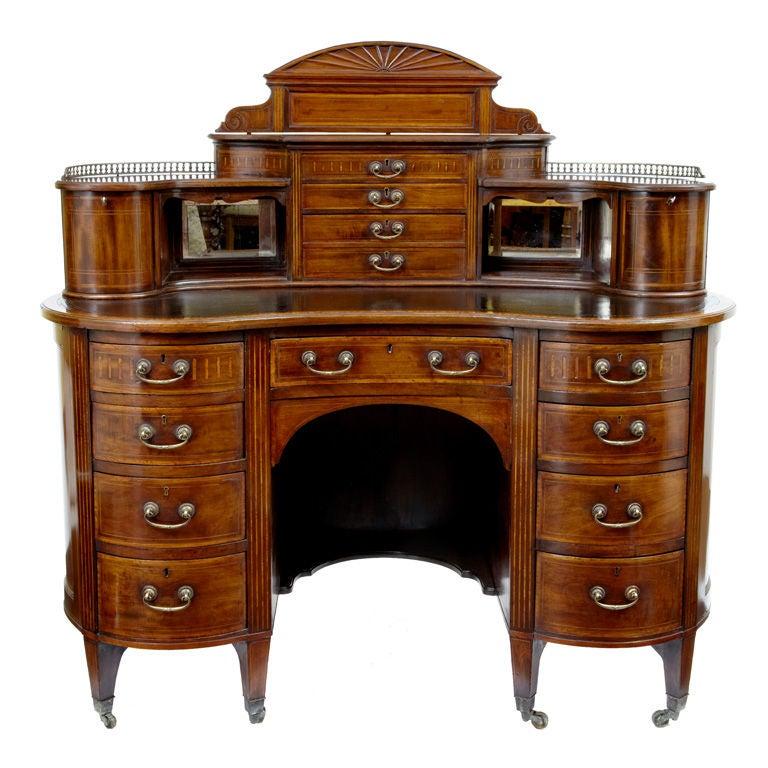 kidney writing desk