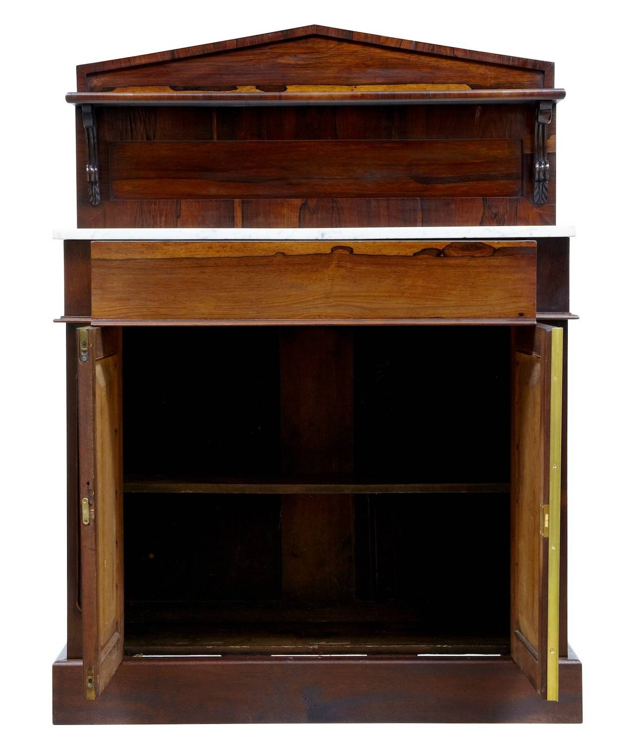 Good quality William IV chiffionier, circa 1830. 