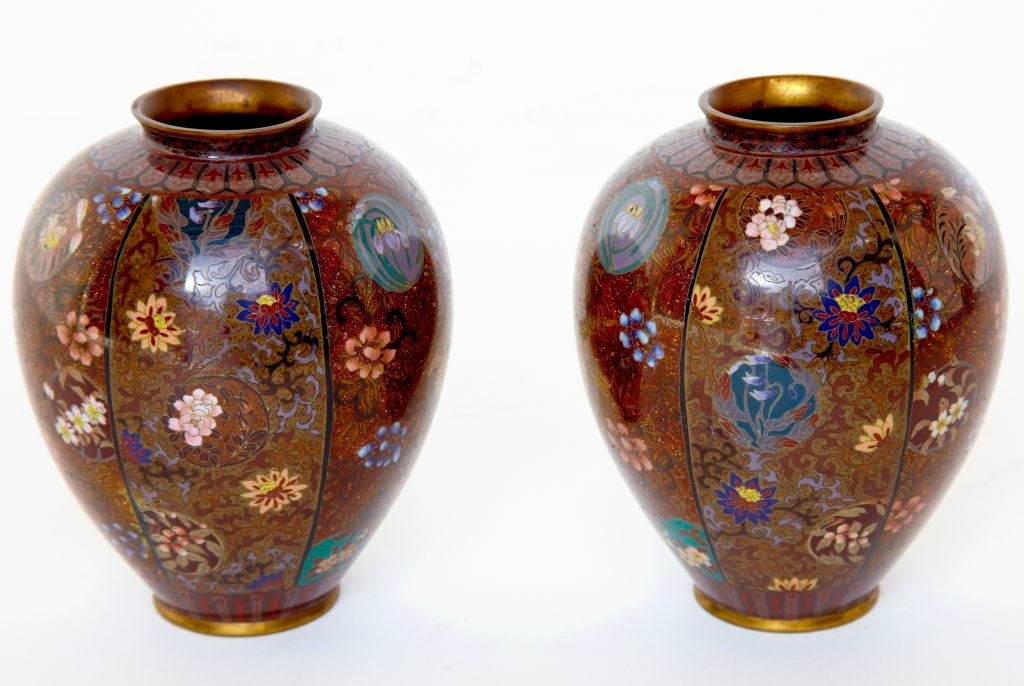 pair of chinese small cloisonne decorative vases at 1stdibs. Black Bedroom Furniture Sets. Home Design Ideas