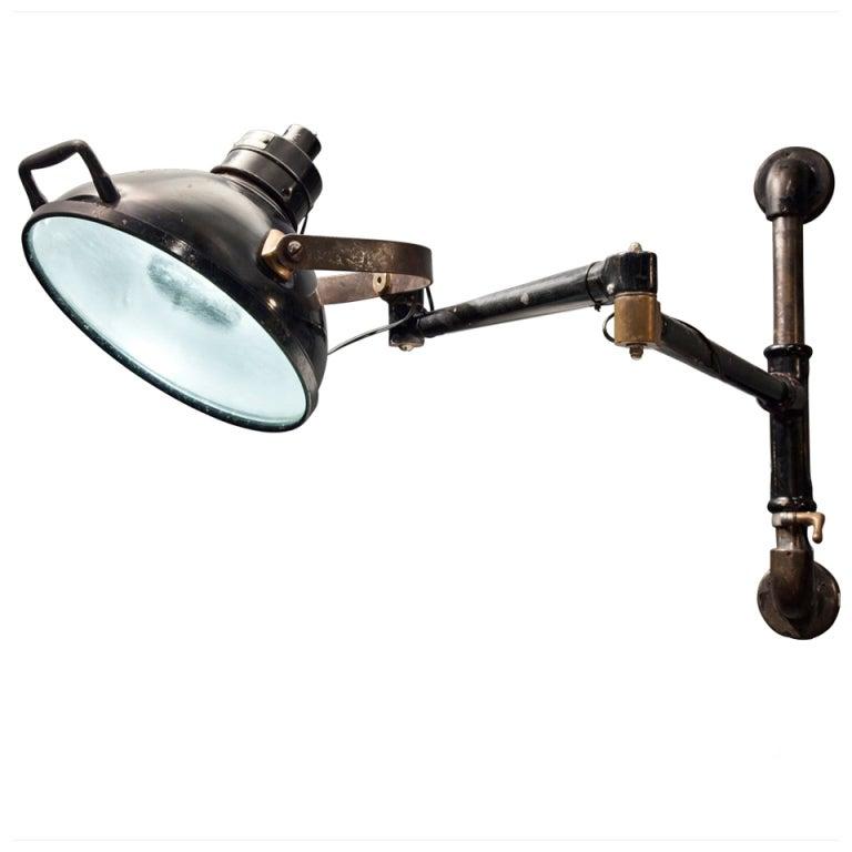 Wall Mounted Industrial Lamp : dental_light_2.jpg