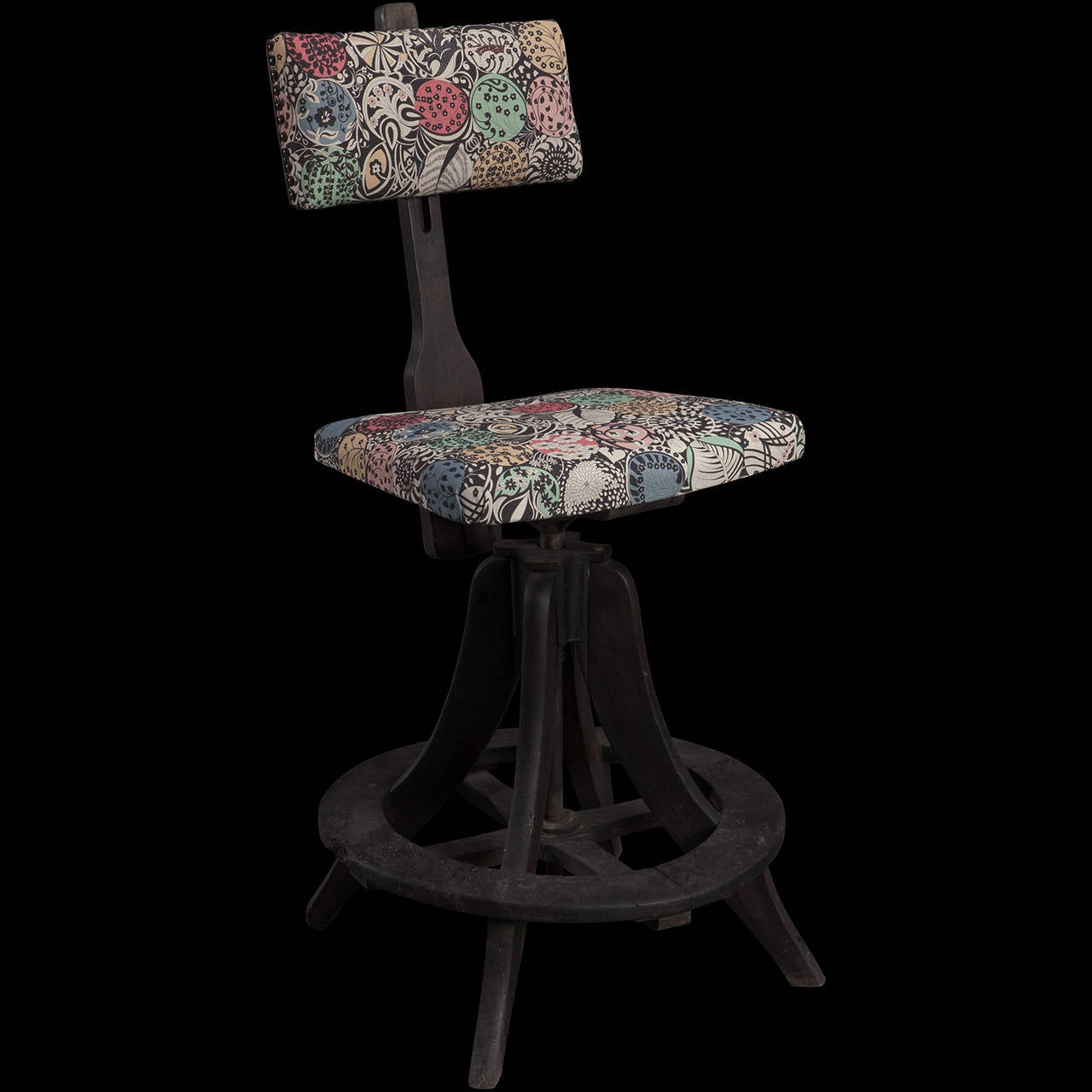 Industrial Painters Stool For Sale at 1stdibs : CHAIR5231l from www.1stdibs.com size 1280 x 1280 jpeg 90kB