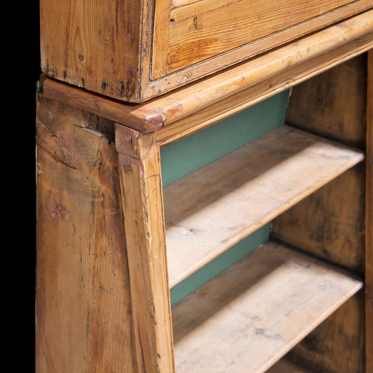 English Apothecary Cabinet In Good Condition For Sale In Culver City, CA