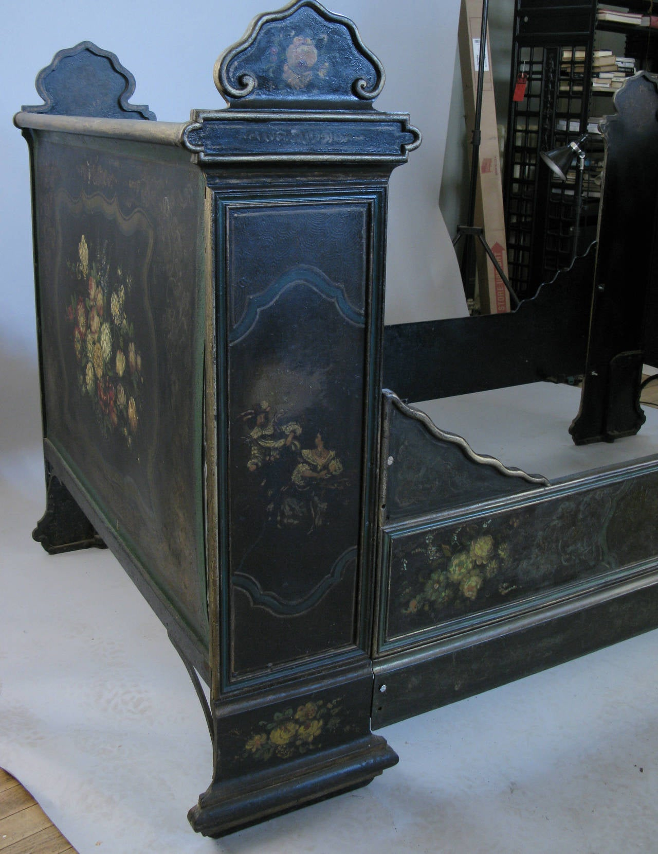 Antique Victorian Hand-Painted Cast Iron Bed In Good Condition For Sale In Hudson, NY