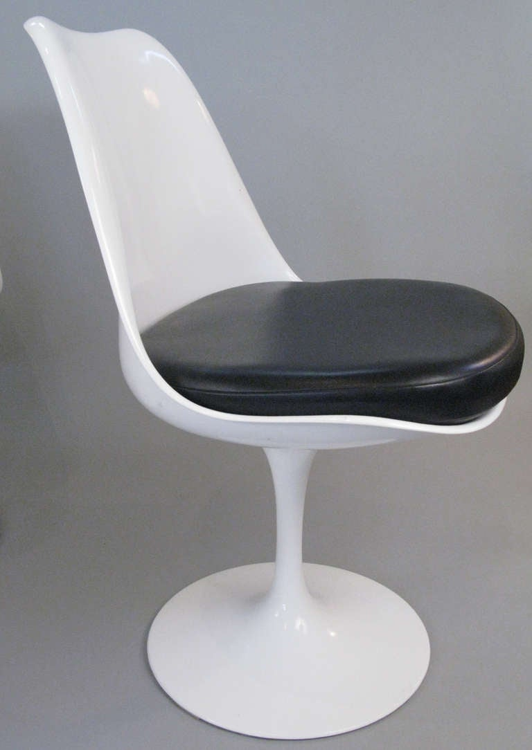 Set Of Six Saarinen Swivel Tulip Chairs By Knoll At 1stdibs