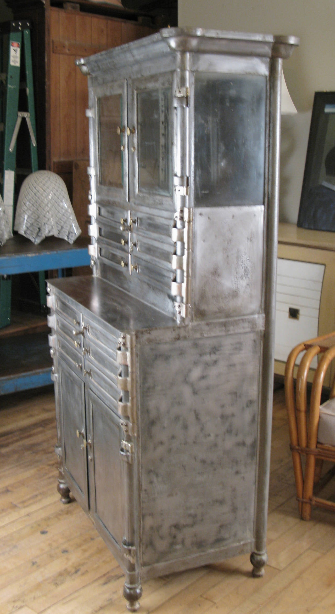 Delicieux Antique Steel And Glass Medical Dental Cabinet For Sale 2
