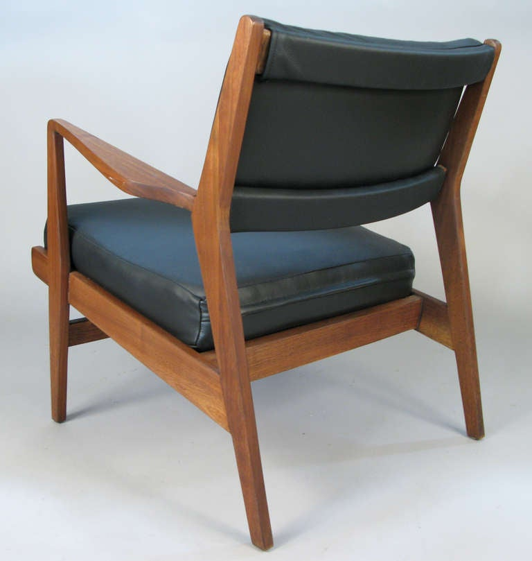pair of walnut and leather lounge chairs by jens risom at 1stdibs
