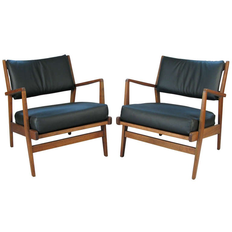 this pair of walnut leather lounge chairs by jens risom is no longer