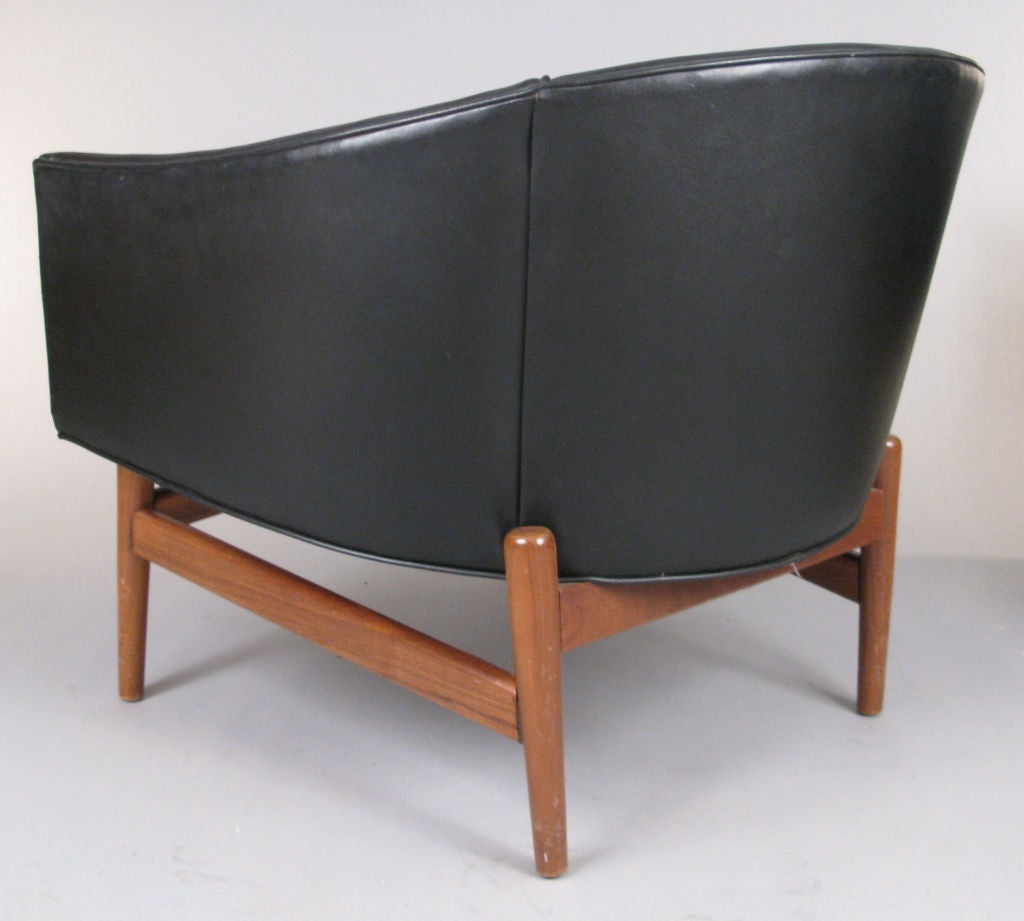 Pair of modern curved back lounge chairs at 1stdibs for Curved lounge