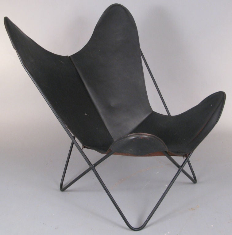 vintage leather knoll hardoy butterfly lounge chair at 1stdibs. Black Bedroom Furniture Sets. Home Design Ideas