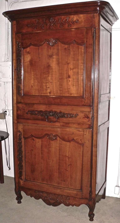 french bonnetiere homme debout in cherrywood image 2. Black Bedroom Furniture Sets. Home Design Ideas
