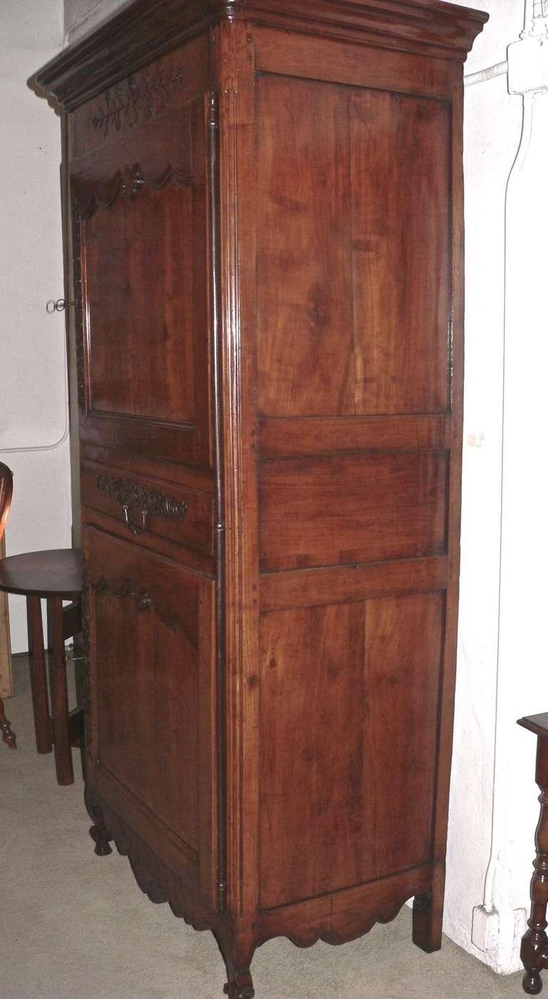 french bonnetiere homme debout in cherrywood image 3. Black Bedroom Furniture Sets. Home Design Ideas