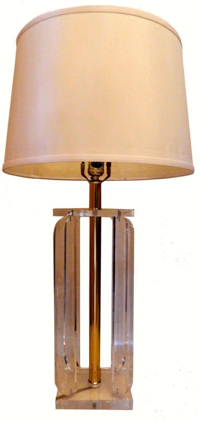 Late 20th Century Pair Of Lucite Table Lamps For Sale