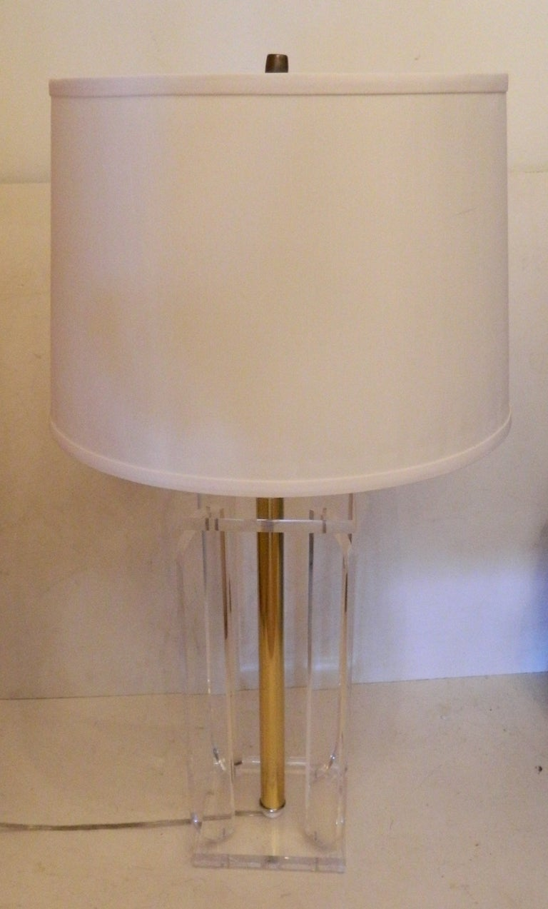 Pair Of Lucite Table Lamps In Good Condition For Sale In Miami, FL