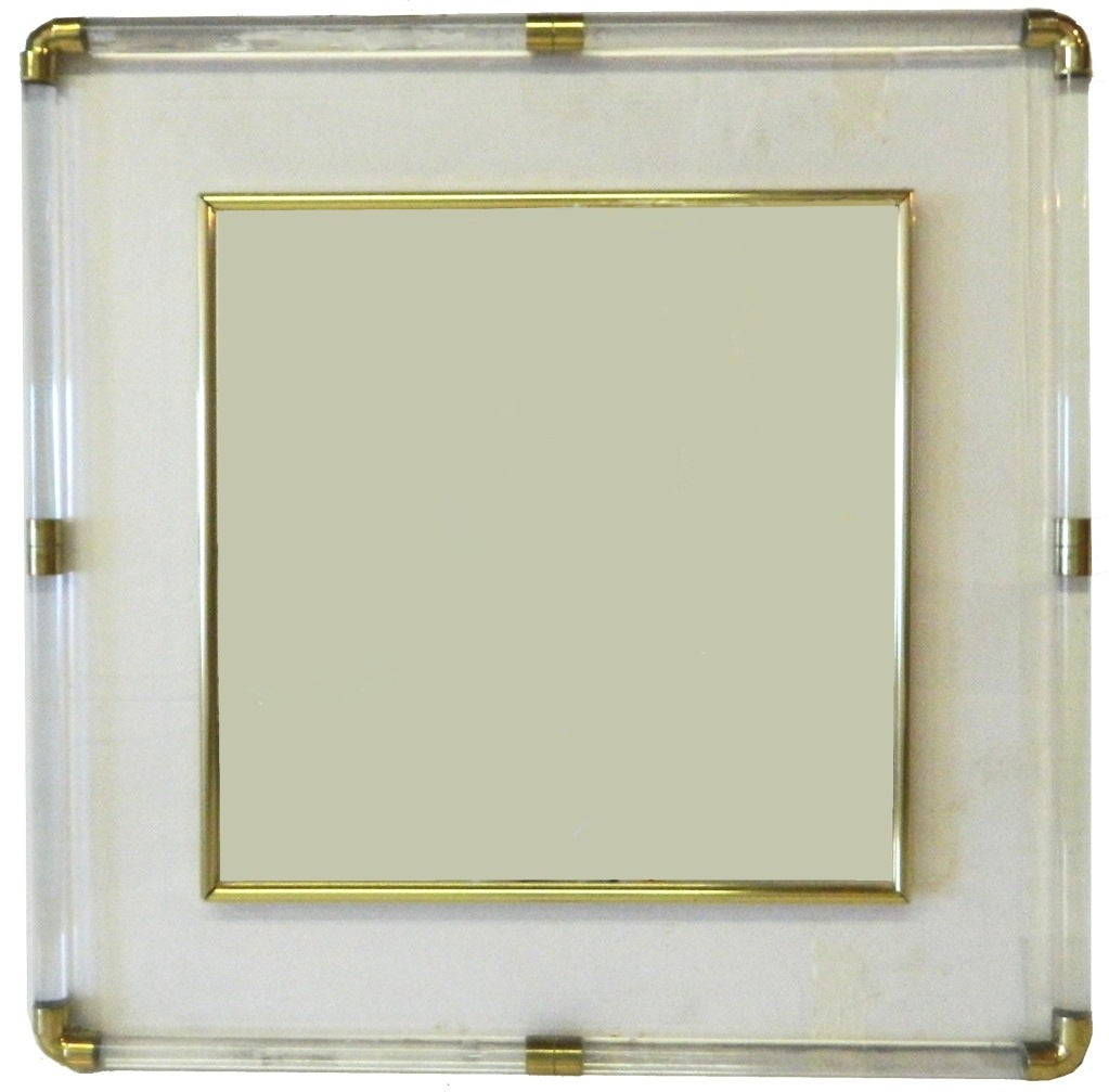 Square central mirror on lucite