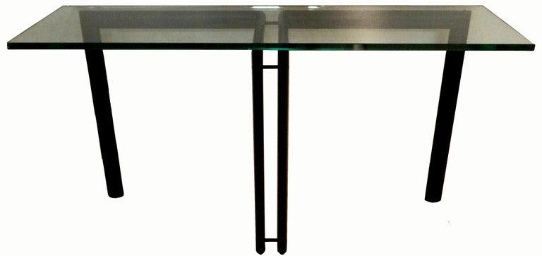 Tripod console LC6 style. Le Corbusier style. 4 oval black legs