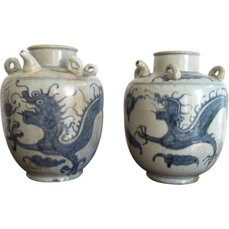 Pair Chinese Ming Dynasty Blue And White Dragon Jars At
