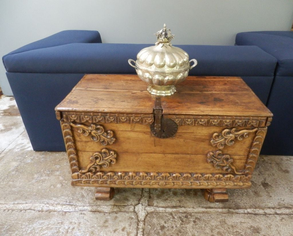 Peruvian 18th C. Spanish Colonial Trunk For Sale