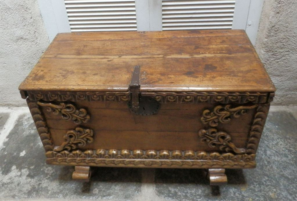 18th C. Spanish Colonial Trunk For Sale 4