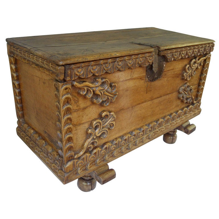18th C. Spanish Colonial Trunk For Sale