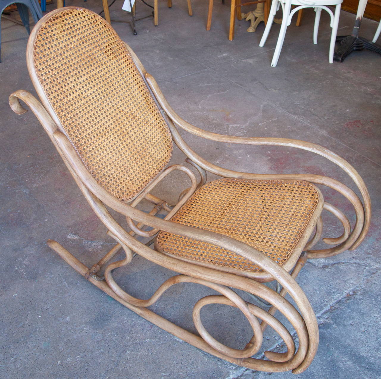 thonet bentwood and caned rocking chair for sale at 1stdibs. Black Bedroom Furniture Sets. Home Design Ideas