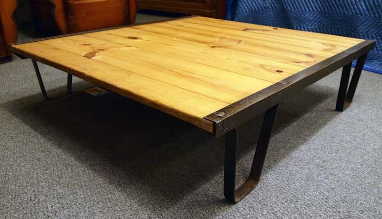 Industrial 'Railroad Pallet' Coffee Table 2