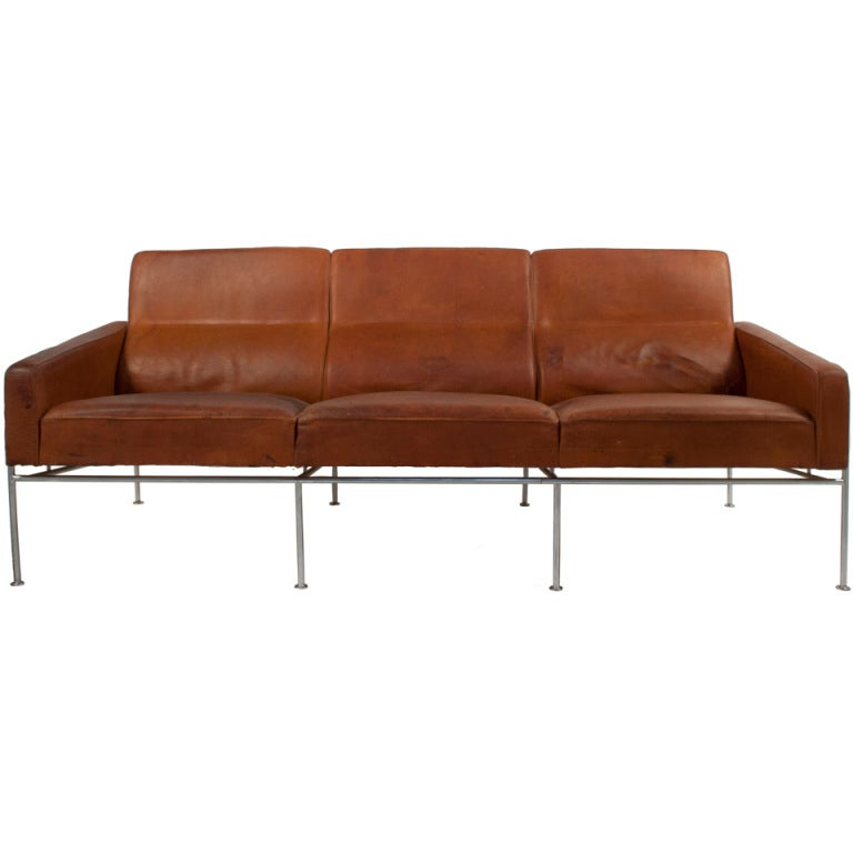 leather sofa by arne jacobsen at 1stdibs. Black Bedroom Furniture Sets. Home Design Ideas