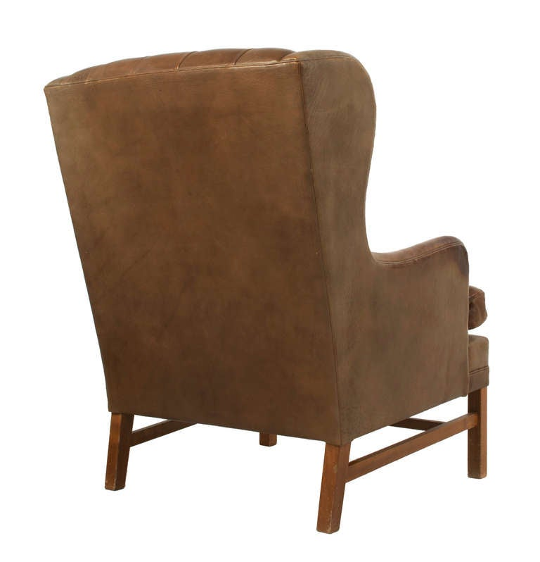 Tufted leather wingback chair for sale at 1stdibs for Leather wingback recliner sale