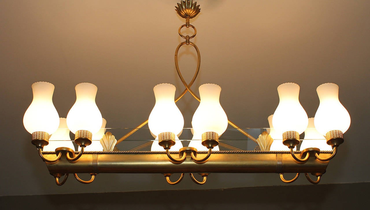 Very elegant French 1940 Brass Chandelier For Sale 1